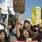 11-18-09-UCLA-protest-Studetns-13
