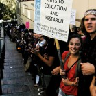11-18-09-UCLA-protest-Studetns-39
