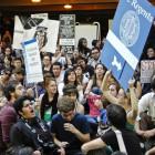 11-18-09-UCLA-protest-Studetns-42