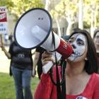11-18-09-UCLA-protest-Studetns-44