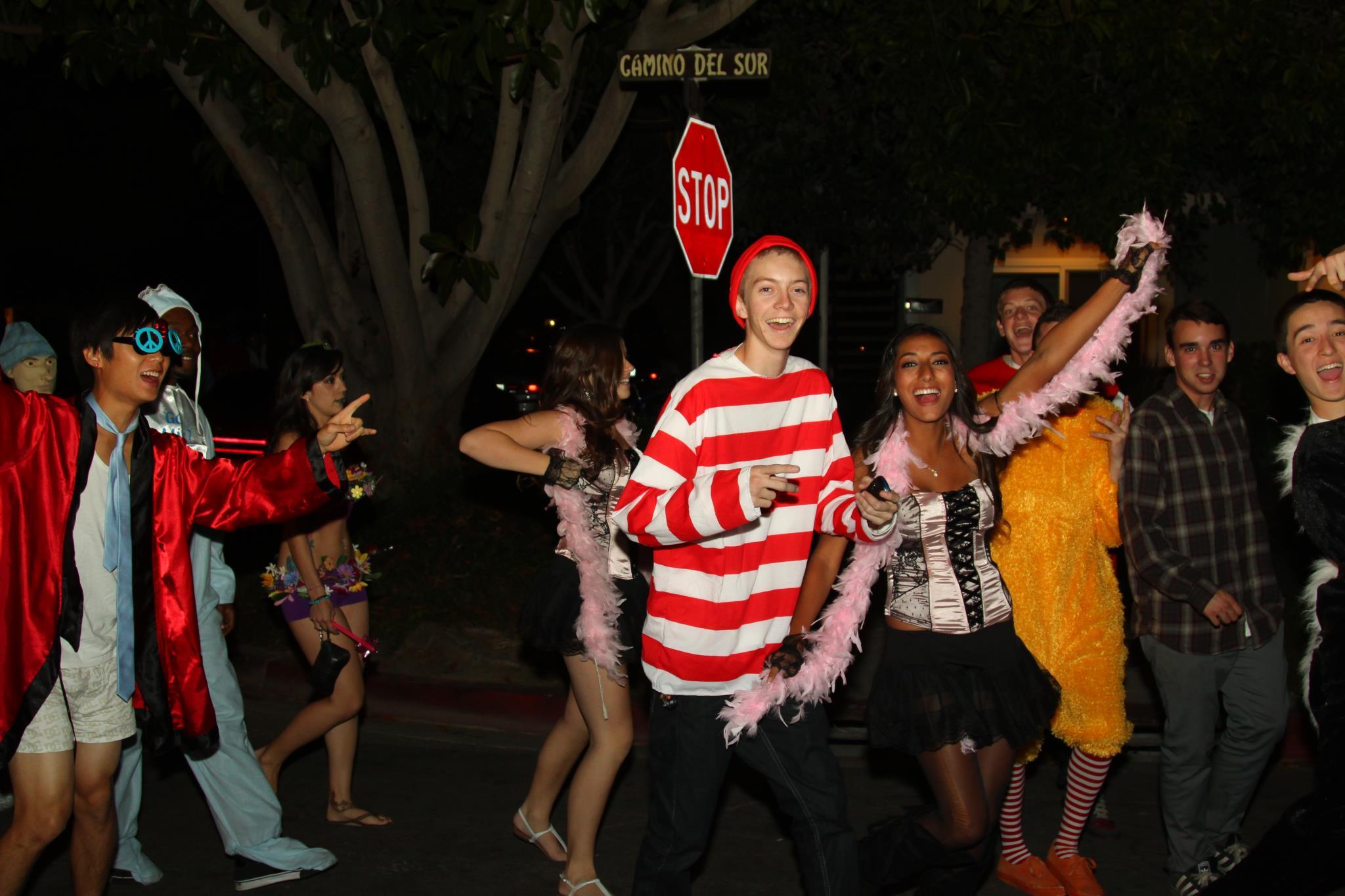 photo gallery ucsb isla vista halloween 2011 - Uc Santa Barbara Halloween