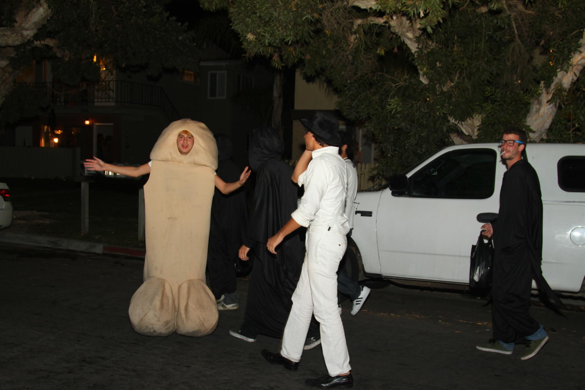 photo gallery: ucsb isla vista halloween 2011 | the bottom line