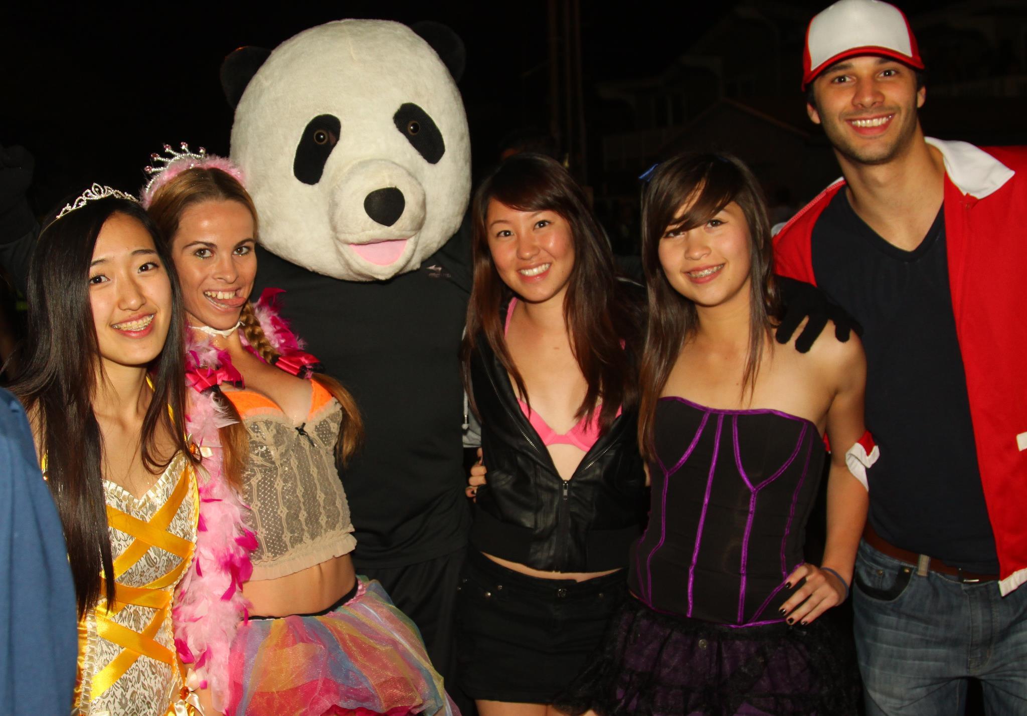 Photo Gallery: UCSB Isla Vista Halloween 2011 | The Bottom Line